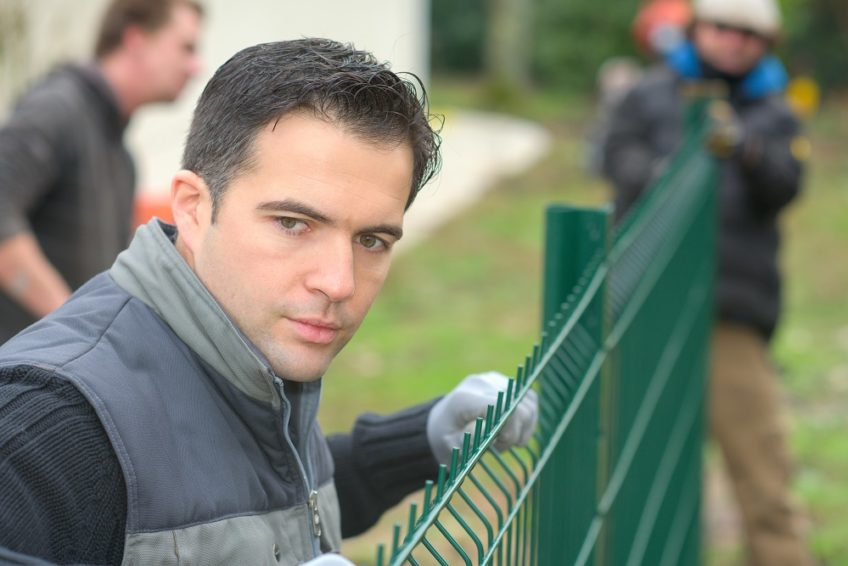 Selecting The Best Fencing Contractor – Few Useful Tips